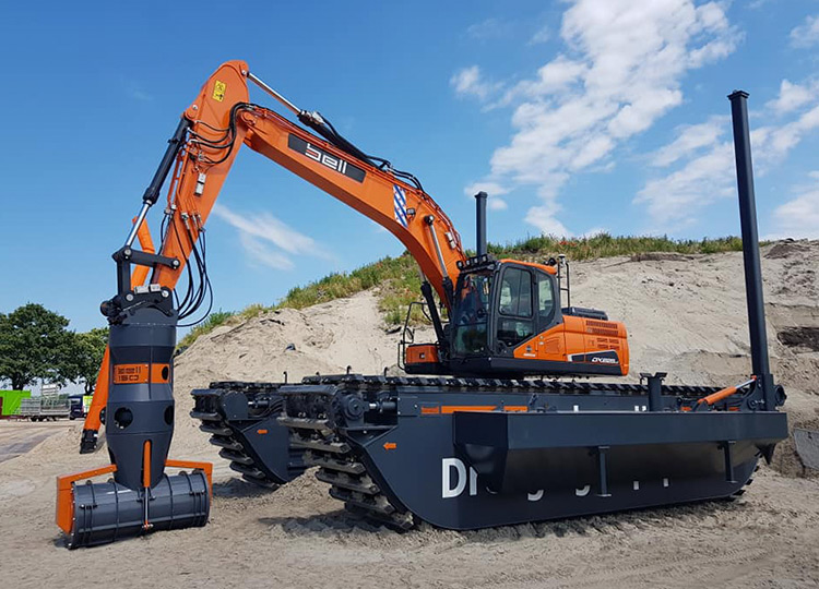 Экскаватор-амфибия Doosan DX225AM